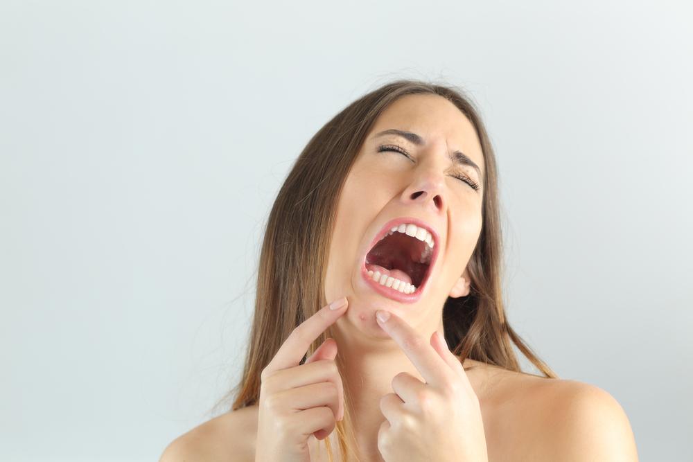 顎ニキビ 原因