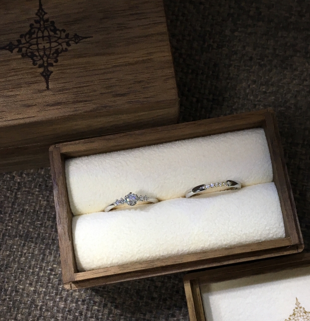 婚約指輪と結婚指輪をセットで選ぶ